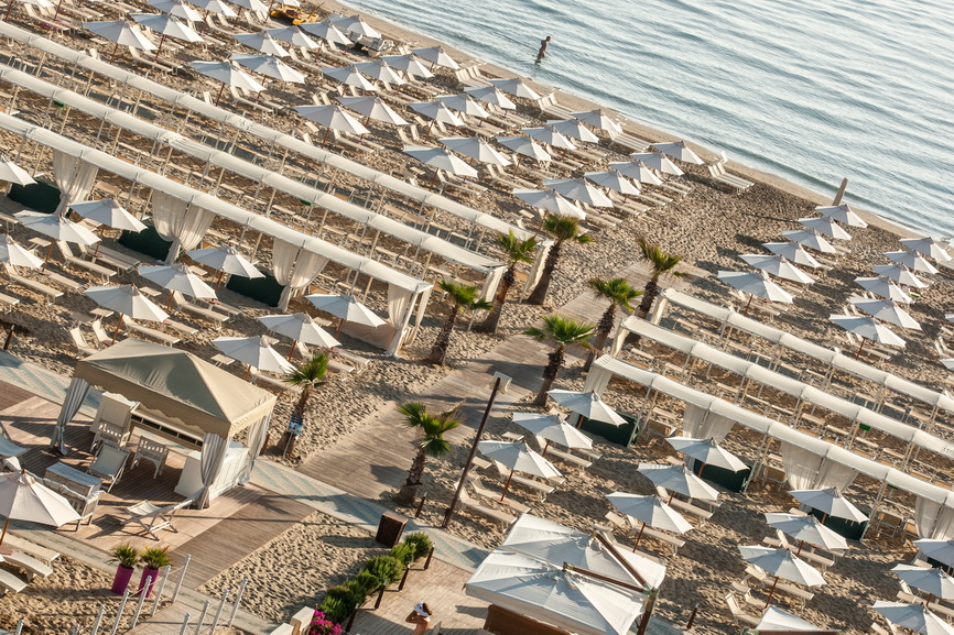 Spiaggia Riccione: scopri lo stabilimento balneare Riccione Le Palme ...