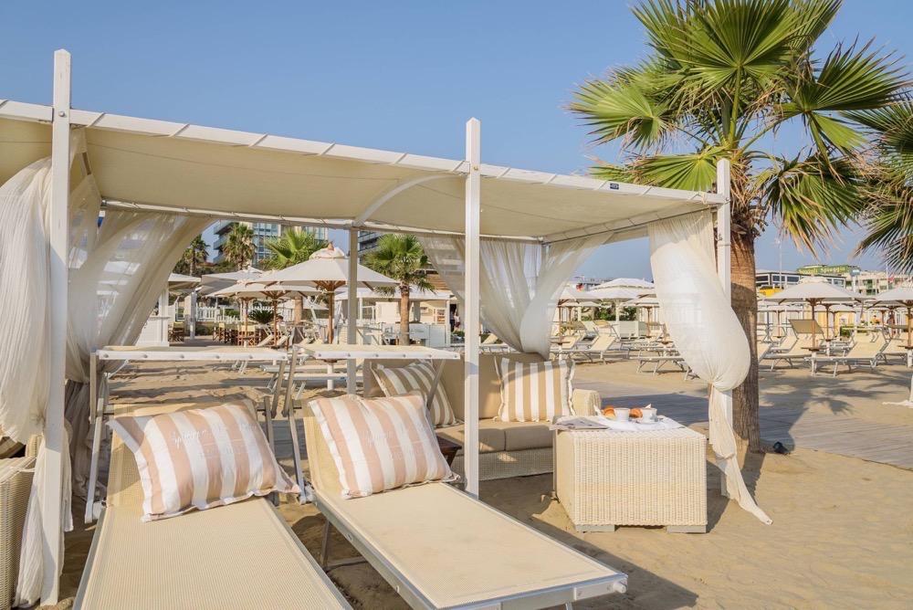Spiaggia per bambini Riccione: giochi, divertimento e miniclub in ...